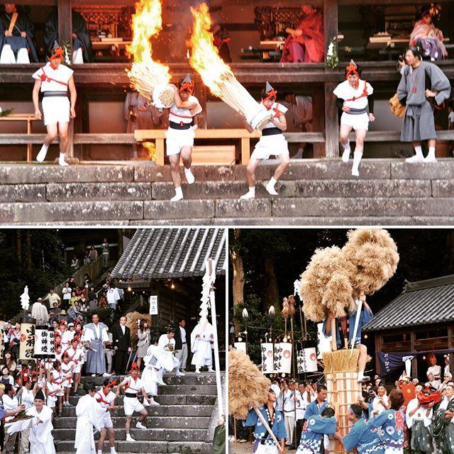 往馬大社 (いこまたいしゃ) 火祭り10月9日(日)往馬大社(生駒市)の火祭りに行ってきました。このお祭りは氏子たちが南北に分かれて競って火祭りを盛り上げます。色んな競争行事(御供上げ:左下 や、おはな立て: 右下)があるのですが、その都度和太鼓の演出があるので興奮が倍増です。祭りのクライマックス。火取り(写真上)は、一瞬の勝負。7段の階段を先に降りた方が勝ちです。いつの間にか境内は見物客で溢れていました。#奈良 #奈良が好き #往馬大社 #火祭り#祭り